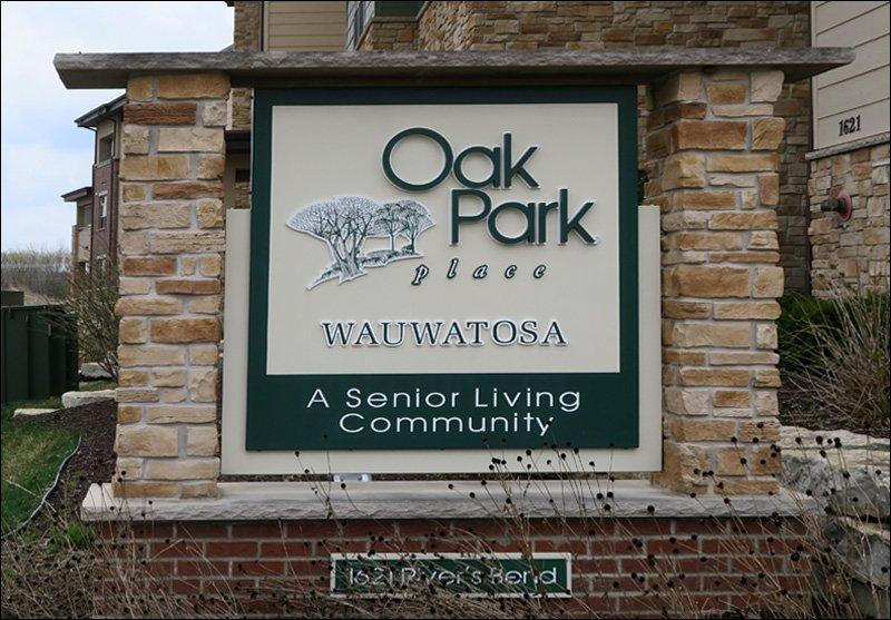 Oak Park Place Wauwatosa - Sign