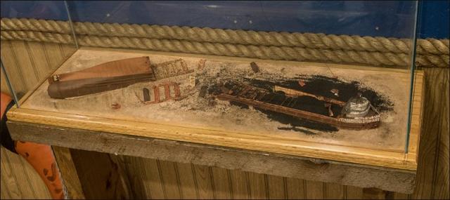 S.S. Edmund Fitzgerald Shipwreck Diorama