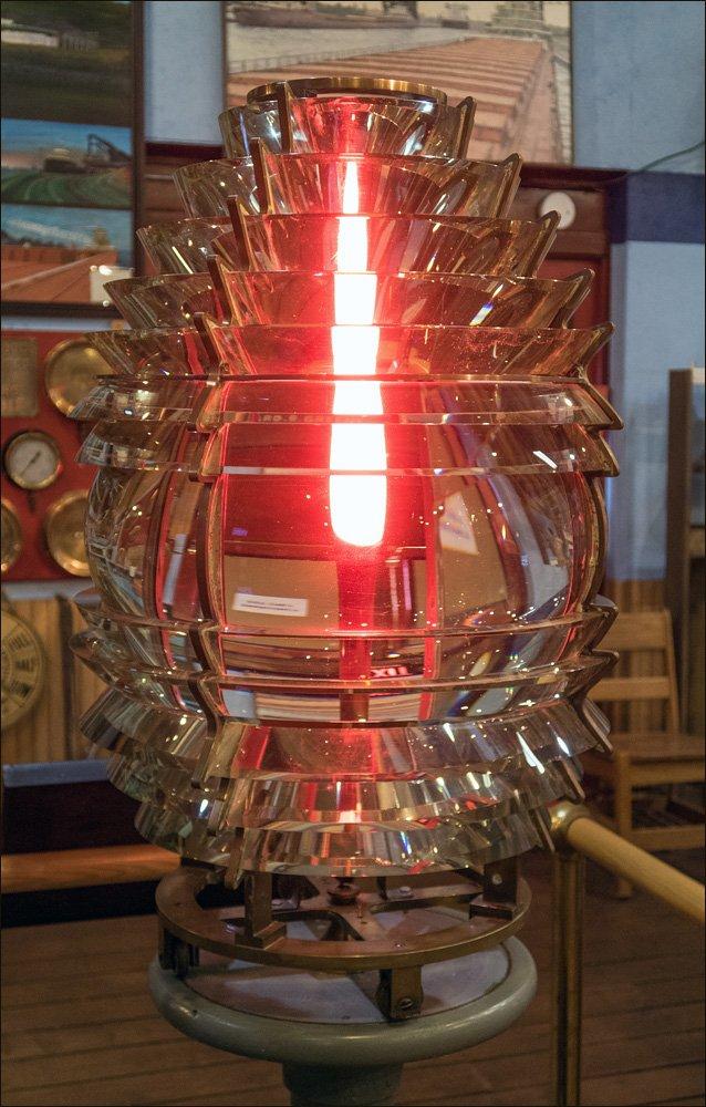 Marquette Breakwater Fourth Order Fresnel Lens
