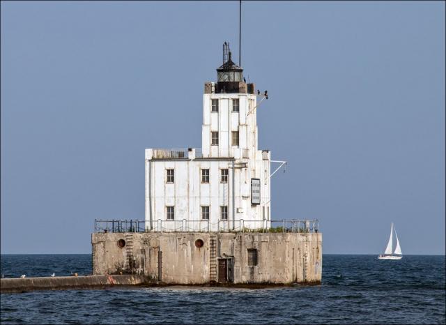 Milwaukee Breakwater Light